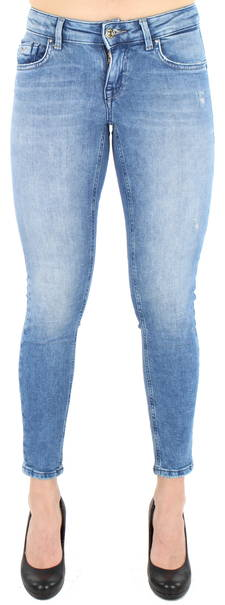 Miksi koon 42 nainen ei mahdu 44:n farkkuihin? 4 selitystä mysteerille
